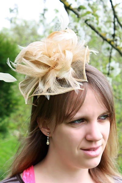 serre tte chapeau bibi mariage plumes beige ivoire - Serre Tete Chapeau Mariage