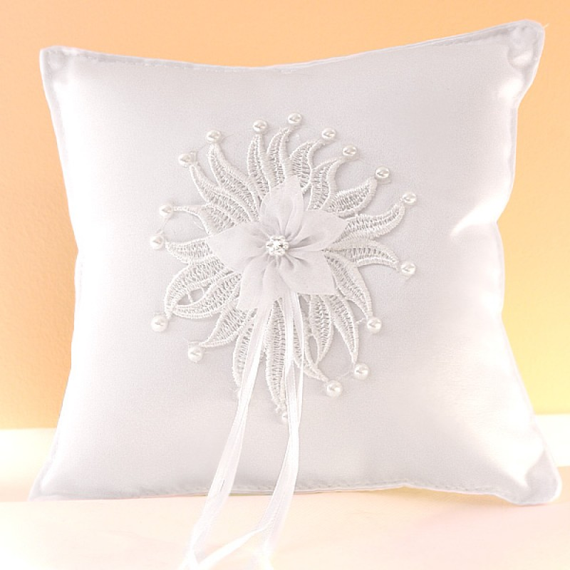 coussin mariage porte alliances blanc soleil broderie perles. Black Bedroom Furniture Sets. Home Design Ideas