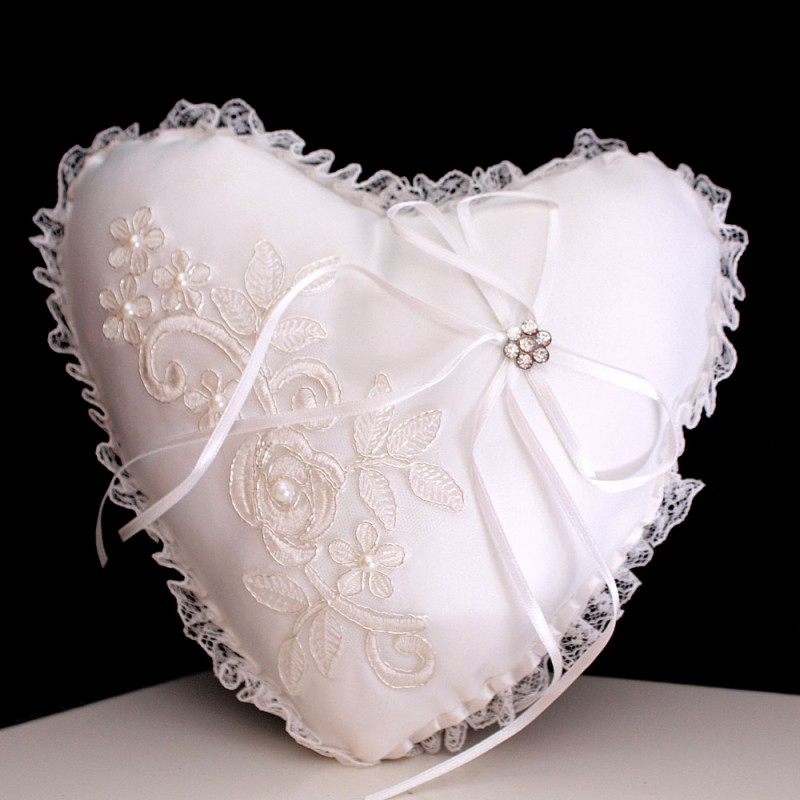 coussin mariage porte alliances ivoire ruban croise strass